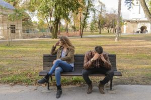 HOW CELL PHONES RUIN RELATIONSHIPS TODAY